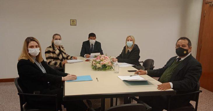 Importante reunión de trabajo en el Palacio de Justicia.